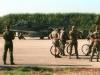 Au premier plan : les vélos des mécanos