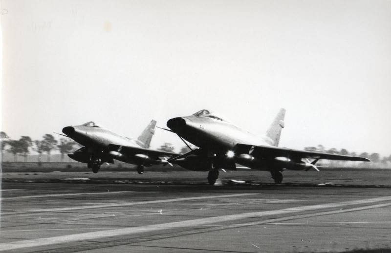 Toul atterrissage patrouille serrée