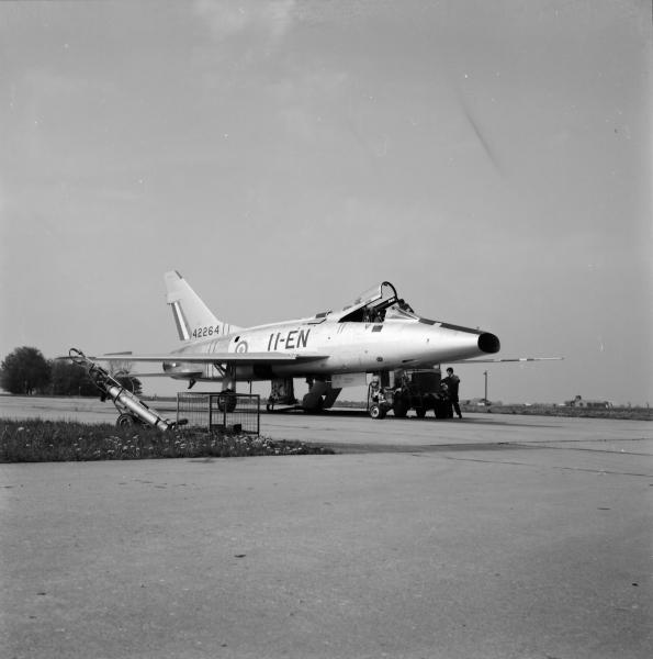 F100-06.jpg