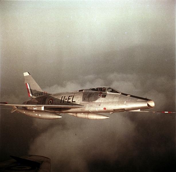 F100-C03.jpg