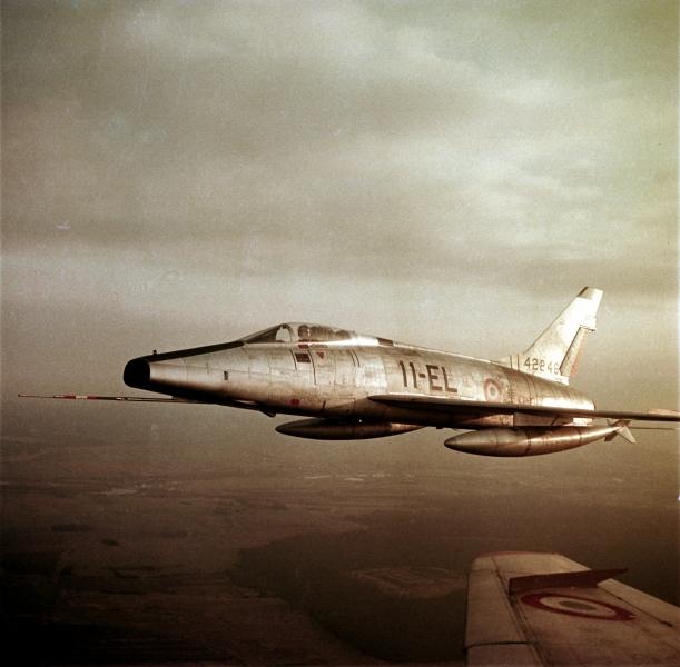 F100-C06.jpg