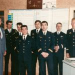 Officiers mécanos en salle d'OPS