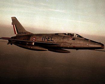 Le F100, l'avion d'homme